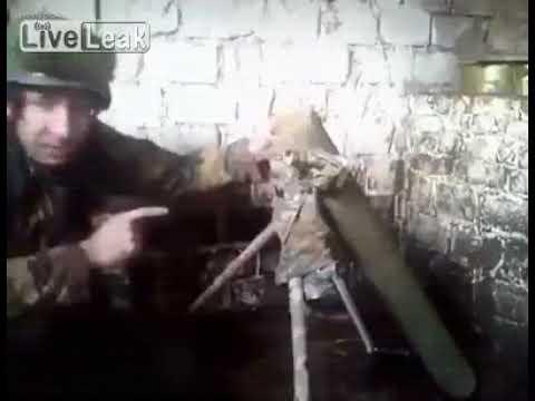 شاهد جندي أوكراني يفجر نفسه بعد إلقاء محاضرة عن السلامة