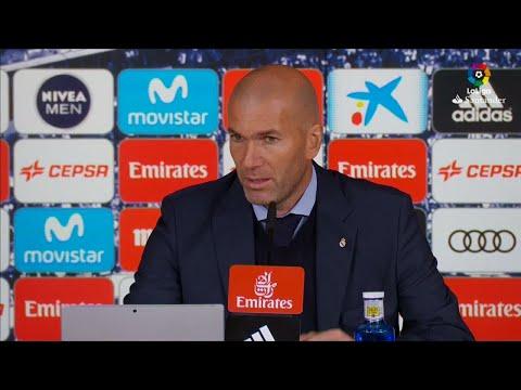 شاهد زيدان سعيد لأجل رونالدو الذي سجل هدفين في مباراة ريال مدريد وإشبيلية