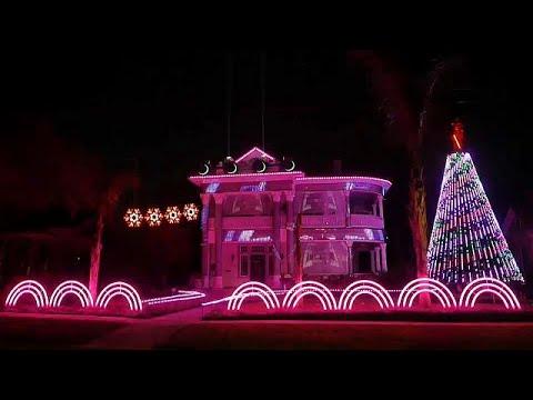 شاهد أعياد الميلاد بنكهة حرب النجوم على واجهة منزل
