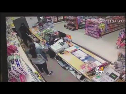 شاهد فتاة شجاعة تتصدى لسطو مسلح في بروكتون