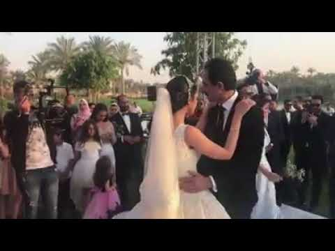 شاهد مجدي الجلاد يبكي في فرح ابنته سما على أغنية بنتي وحبيبتي