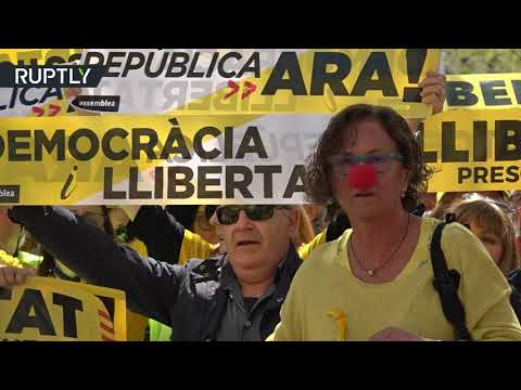 شاهد مظاهرات في برشلونة لدعم زعماء معتقلين