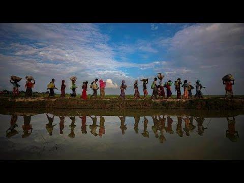 شاهد قارب يقلّ 76 من مسلمي الروهينغا يرسو في إندونيسيا