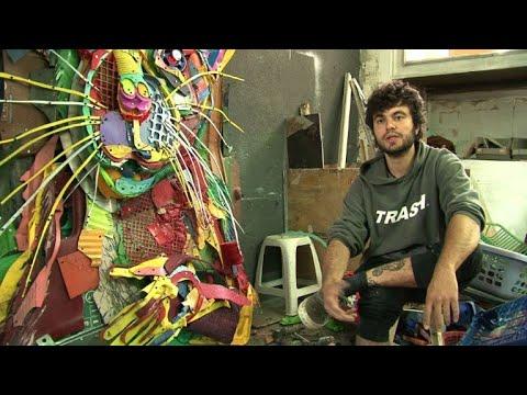 شاهد فنان برتغالي يُحوّل النفايات إلى أعمال فنية