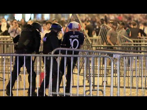 شاهد أعمال شغب في باريس عقب تأهل فرنسا لنهائي المونديال