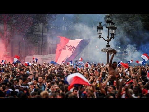 شاهداحتفالات عارمة في شوارع باريس الأربعاء