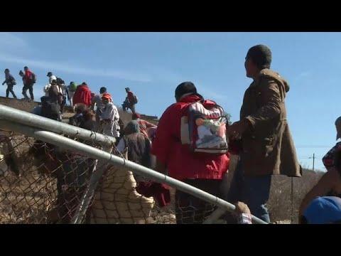 شاهد الشرطة الأميركية تغلق معبرًا حدوديًا مع المكسيك مؤقتًا