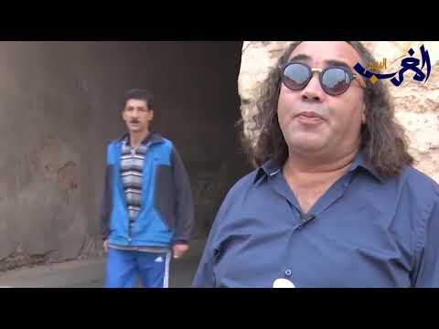 شاهد منع الفنان المغربي فتاح النكادي من دخول أحد مطاعم يثير ضجة