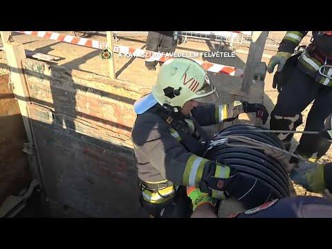 شاهد محاولة إنقاذ قط في بودابست من حفرة بعمق 10 أمتار