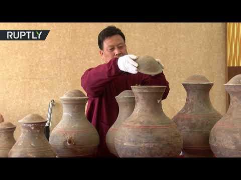 شاهد علماء الآثار يكتشّفون إكسير الخلود في قبر صيني قديم