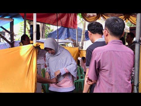 شاهد بدء التصويت في الانتخابات الرئاسية في إندونيسيا
