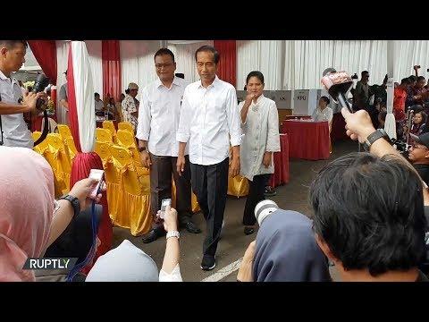 شاهد انطلاق التصويت في الانتخابات الرئاسية والتشريعية في إندونيسيا