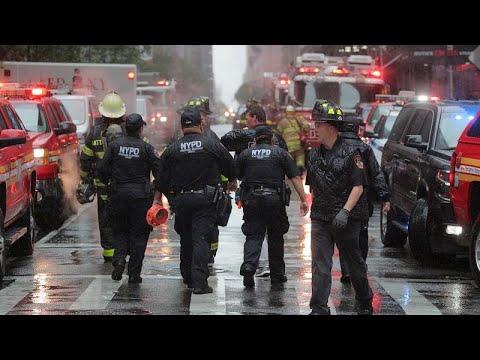 شاهد لحظة اندلاع النيران في مروحية نيويورك الأميركية