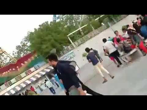 شاهد مقتل وإصابة العشرات في تحطّم لعبة البندول في الملاهي الهندية