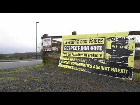 ستيفن باركلي يوقع وثيقة إلغاء سريان قوانين الاتحاد الأوروبي في بريطانيا