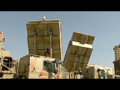 شاهد الرئيس الإيراني يشكف عن منظومة دفاع جوي صاروخية مصنعة محليًا