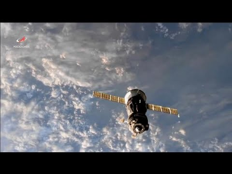 شاهد إطلاق مركبة سويوز إم إس14 وعلى متنها روبوت بشري فضائي
