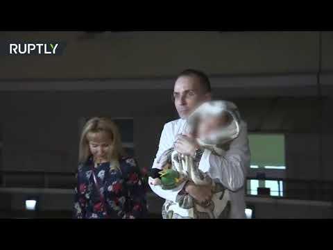 شاهد روسيا تعيد دفعة جديدة من أطفال مسلحي داعش من العراق