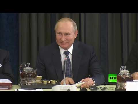 شاهد فلاديمير بوتين يتحدث بالألمانية من جديد