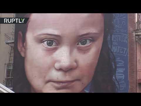 شاهد صورة غرافيتي ضخمة لناشطة المناخ السويدية غريتا تونبرغ في سان فرانسيسكو