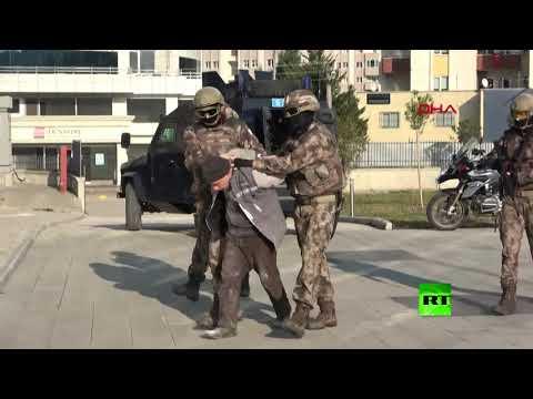 شاهدلحظة اعتقال الأمن التركي للسوري أبو تقي الشامي القيادي الاستخباراتي في