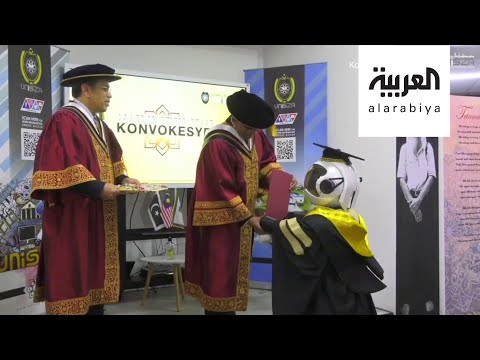 شاهد تخريج الروبوتات بدلا من الطلاب في زمن كورونا