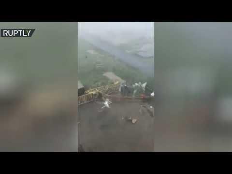 شاهد مقتل شخصين في عاصفة رعدية رافقتها أمطار غزيرة في روسيا