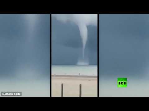 شاهد عمود مائي عملاق يظهر بالقرب من السواحل البلجيكية