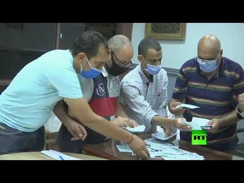 شاهد بدء فرز الأصوات في انتخابات مجلس الشيوخ المصري