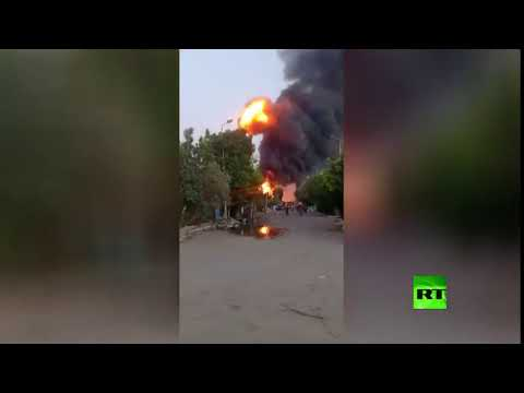 شاهد حريق في مصنع للمواد الكيماوية في مصر