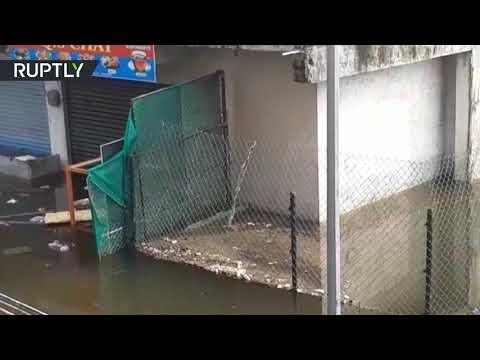 شاهد فيضانات عارمة تضرب الهند وتقتل العشرات