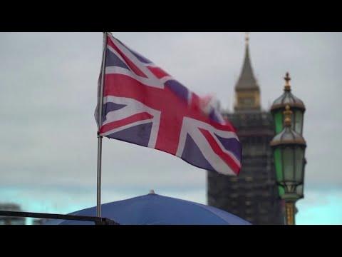 بريطانيا تدرس تخفيض فترة العزل الذاتي للمخالطين بمصابي كورونا