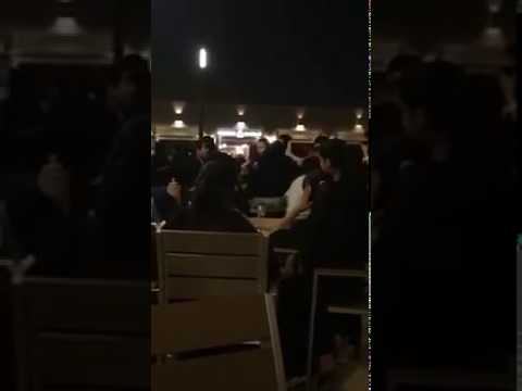 صوت الإمارات - شاهد مشاجرة عنيفة بين مجموعة فتيات في منتزه جدة