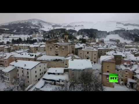 صوت الإمارات - شاهد تساقط الثلوج بكميات هائلة في جنوب إيطاليا