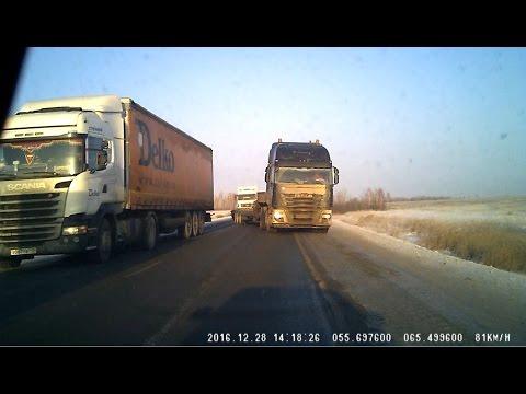 صوت الإمارات - بالفيديو شاهد كيف أفلتت سائقة روسية من الموت المؤكّد