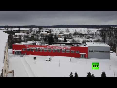 صوت الإمارات - بالفيديو لحظة انهيار سقف قاعة رياضية في التشيك