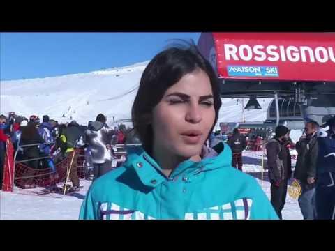 صوت الإمارات - شاهد  التزلج على جبال كفرذبيان في لبنان