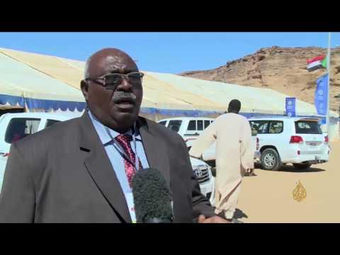 صوت الإمارات - شاهد مهرجان للسياحة والتسوق على جبل البركل في السودان