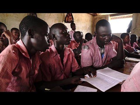 صوت الإمارات - شاهد مخيم كاكوما يعني بالتعليم لمساعدة اللاجئين