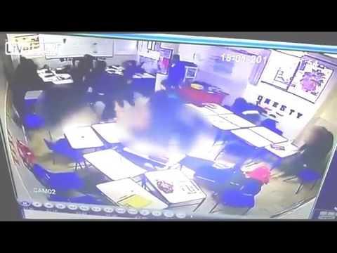 صوت الإمارات - بالفيديو  طالب يطلق النار على زملائه ومعلمه ثم ينتحر